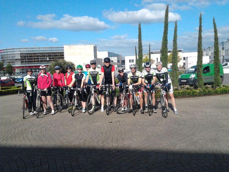 Sunny cyclists on their way out to Birdhill & Killaloe
